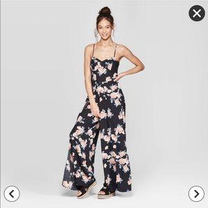 New! Size medium Xhilaration floral jumpsuit